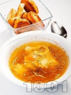 Телешки бульон с яйце - снимка на рецептата
